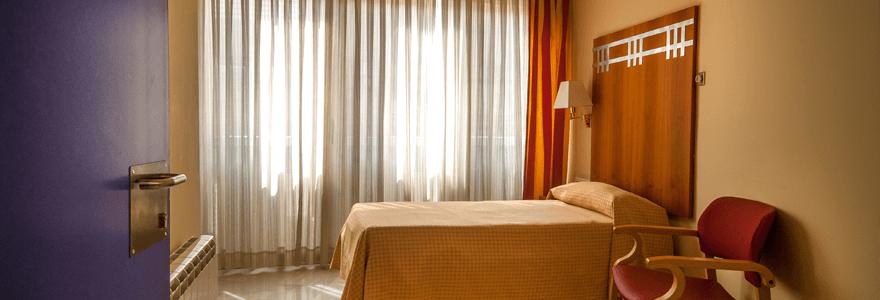 Inicio residencia activa parc de les aig es for Aigues de barcelona oficina